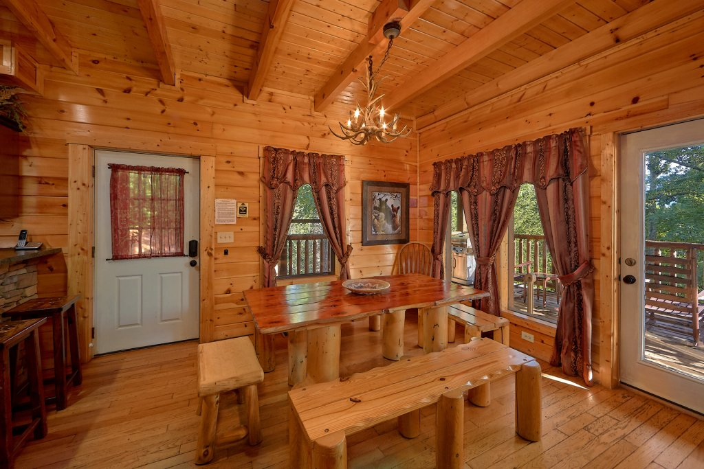 Photo of a Gatlinburg Cabin named Buckwild - This is the seventeenth photo in the set.