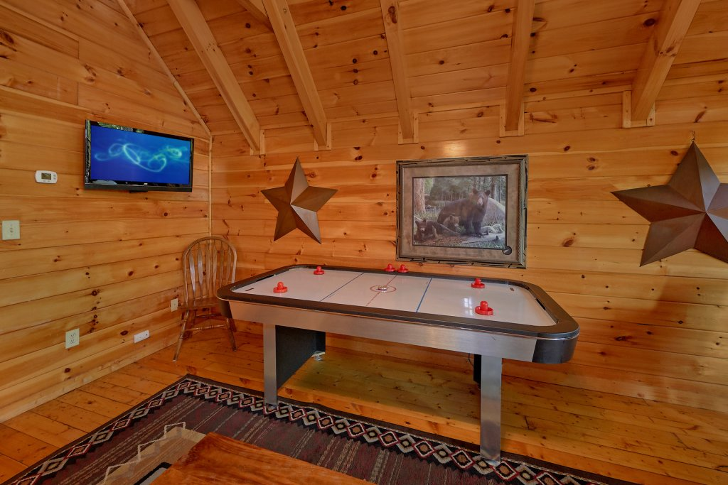 Photo of a Gatlinburg Cabin named Buckwild - This is the thirteenth photo in the set.