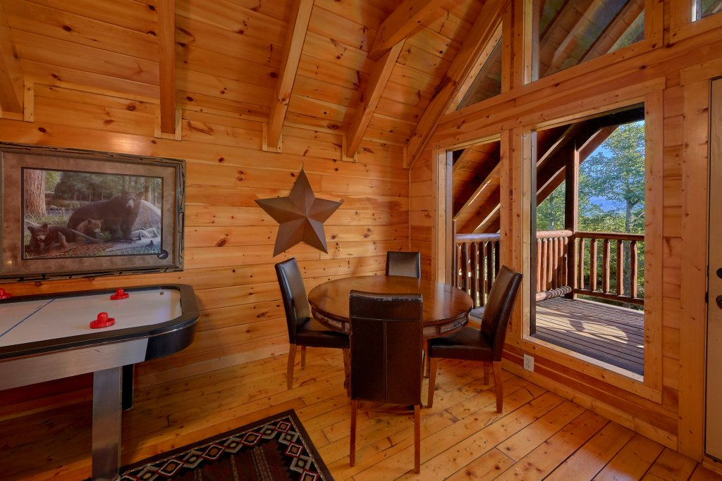 Photo of a Gatlinburg Cabin named Buckwild - This is the eleventh photo in the set.