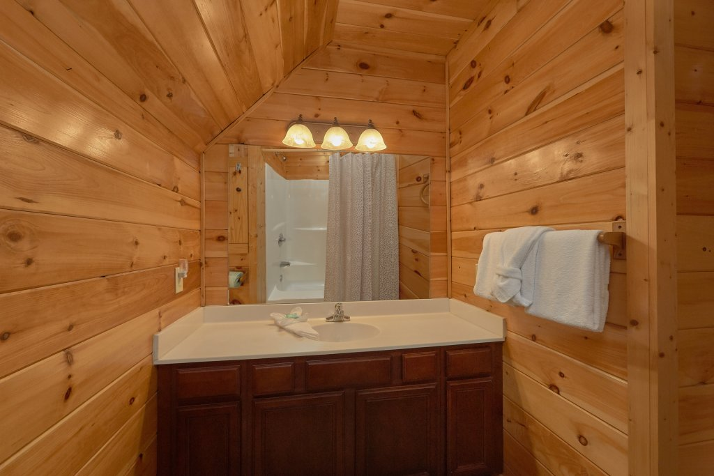 Photo of a Gatlinburg Cabin named Diamond Mine - This is the twentieth photo in the set.