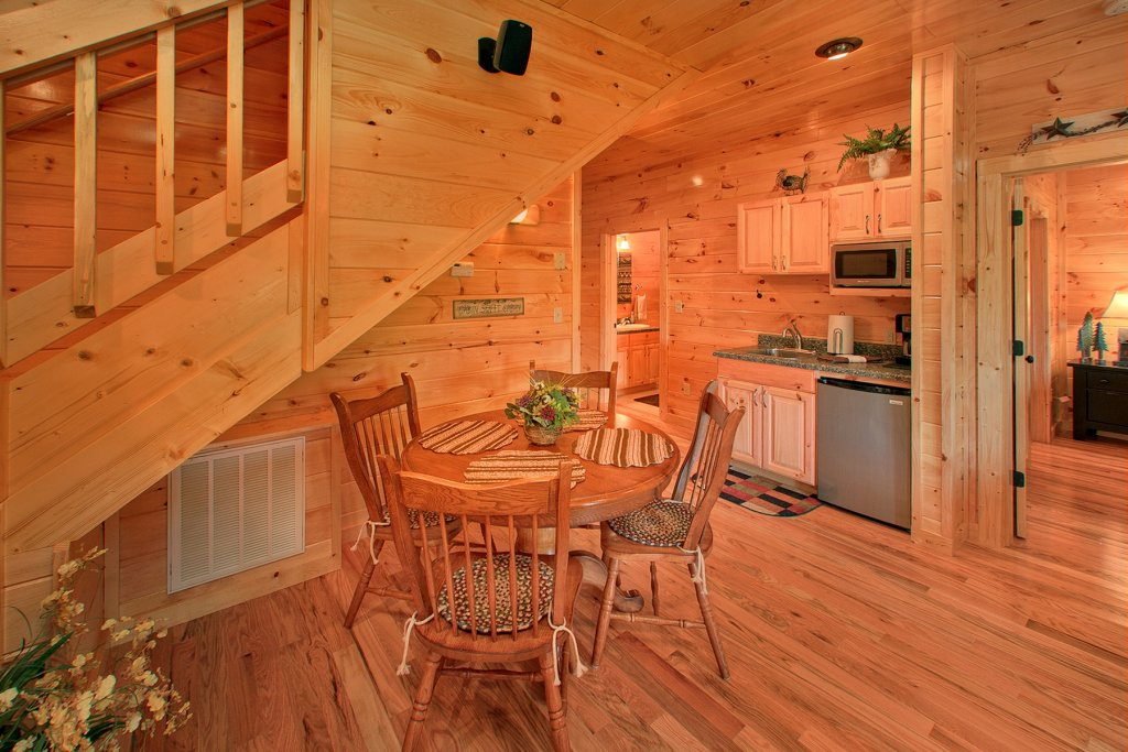 Photo of a Gatlinburg Cabin named Knotty Pine Delight - This is the twelfth photo in the set.