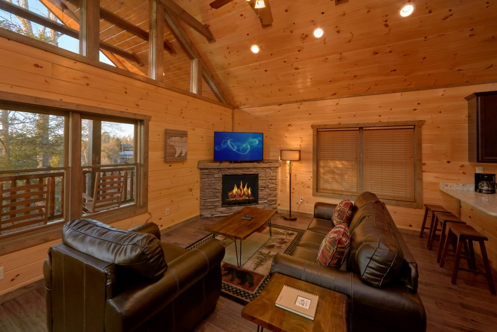 Photo of a Gatlinburg Cabin named Blackberry Springs - This is the twelfth photo in the set.