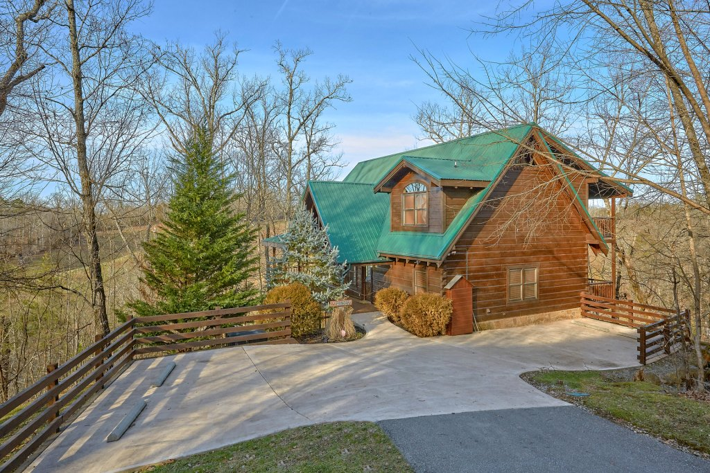 Photo of a Pigeon Forge Cabin named Falling Leaf - This is the thirty-fifth photo in the set.