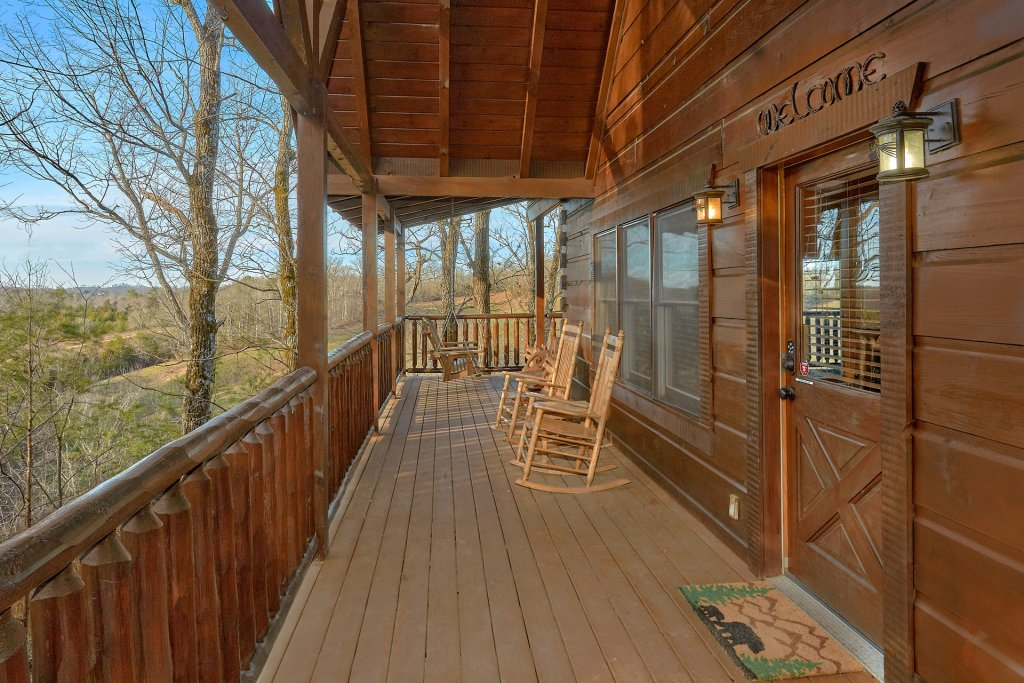 Photo of a Pigeon Forge Cabin named Falling Leaf - This is the tenth photo in the set.