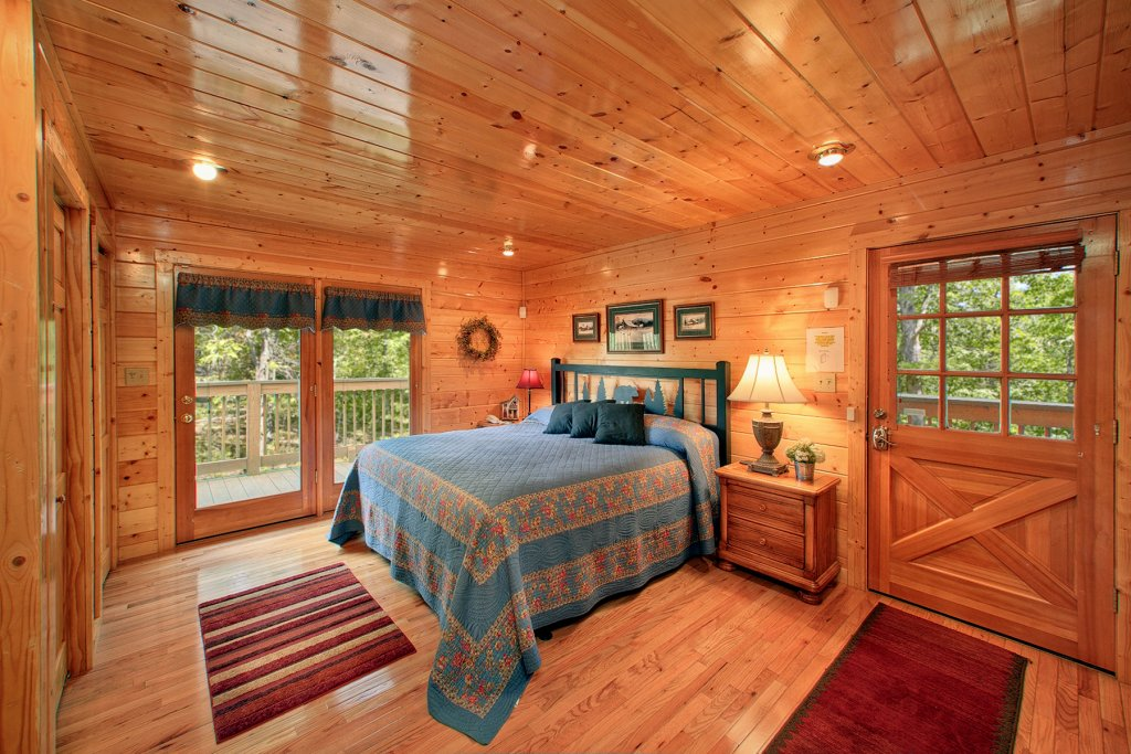 Photo of a Gatlinburg Cabin named Knotty Pine Delight - This is the sixteenth photo in the set.