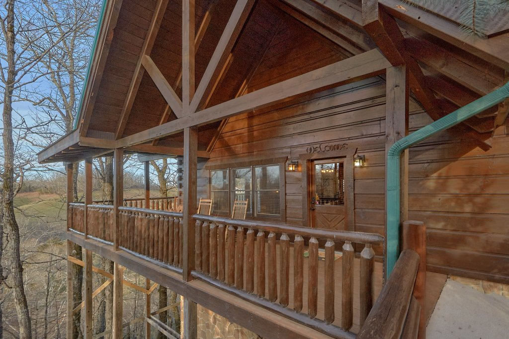 Photo of a Pigeon Forge Cabin named Falling Leaf - This is the fourteenth photo in the set.