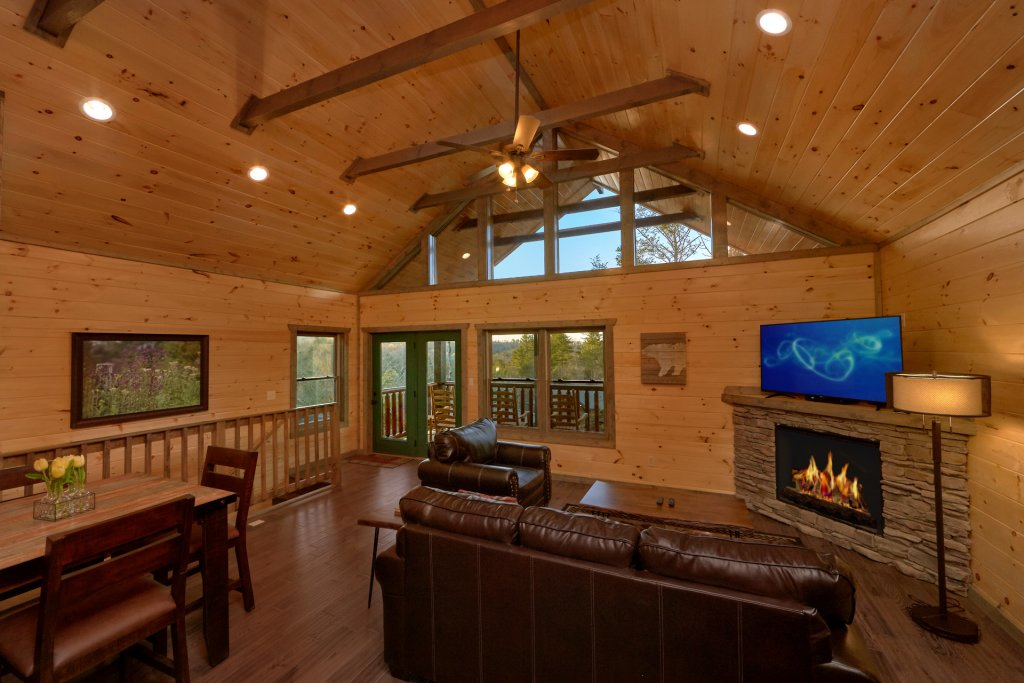 Photo of a Gatlinburg Cabin named Blackberry Springs - This is the seventh photo in the set.