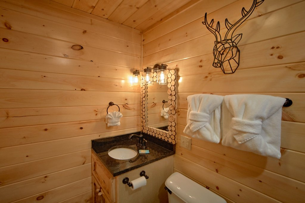 Photo of a Sevierville Cabin named Foolin Around - This is the seventeenth photo in the set.