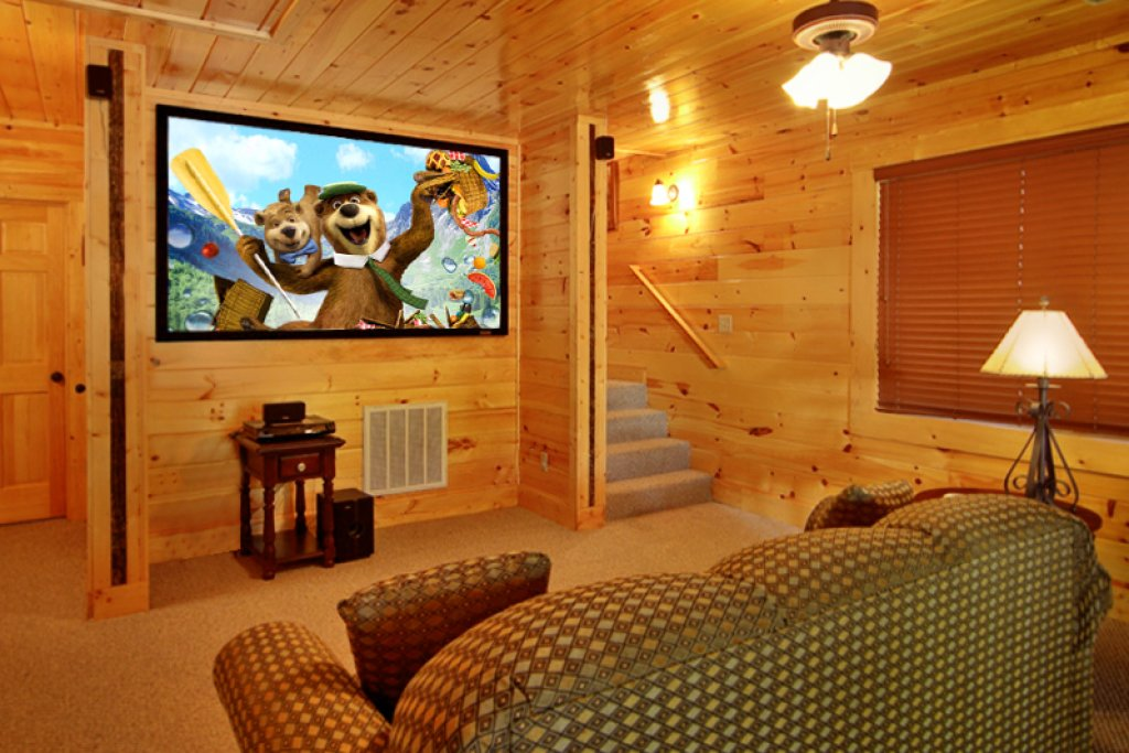 Photo of a Gatlinburg Cabin named Blackjack - This is the second photo in the set.