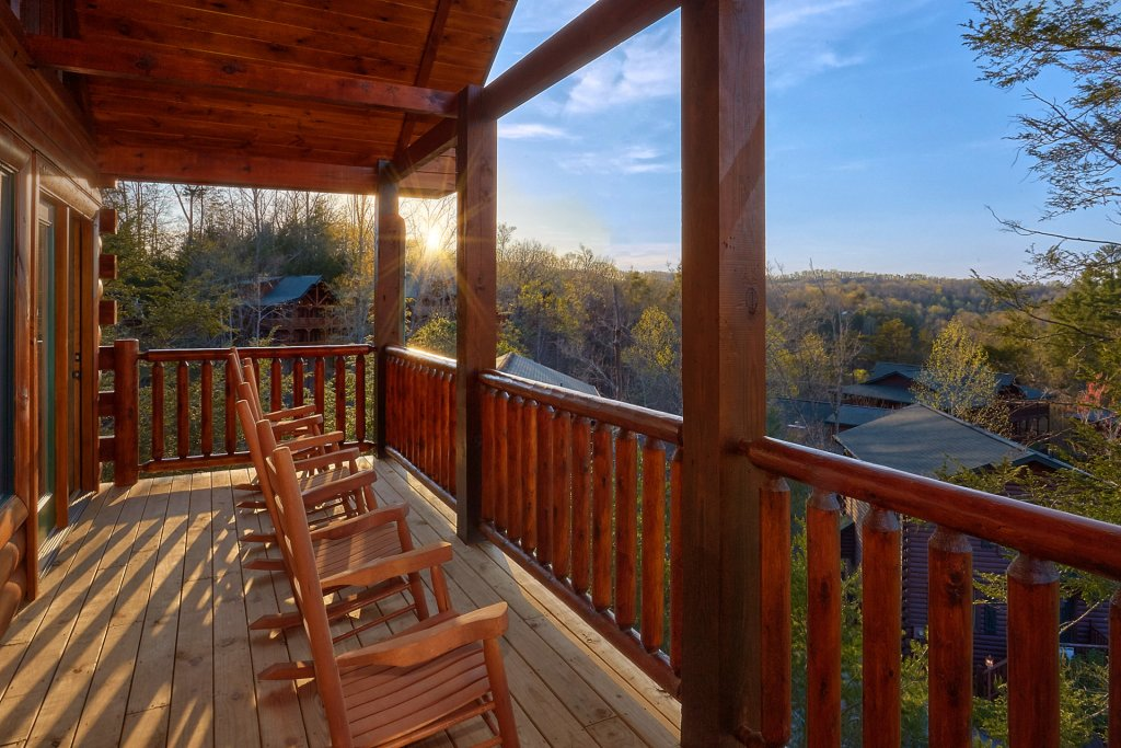 Photo of a Gatlinburg Cabin named Blackberry Springs - This is the fifth photo in the set.