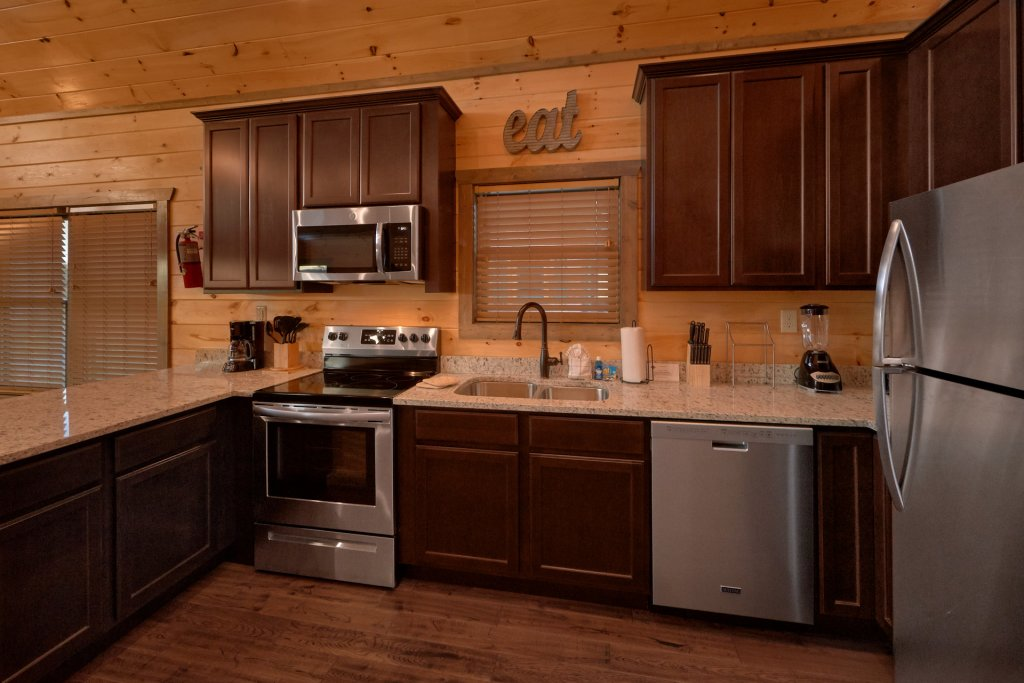 Photo of a Gatlinburg Cabin named Blackberry Springs - This is the sixteenth photo in the set.