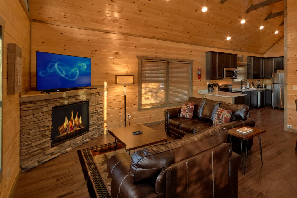 Photo of a Gatlinburg Cabin named Blackberry Springs - This is the ninth photo in the set.