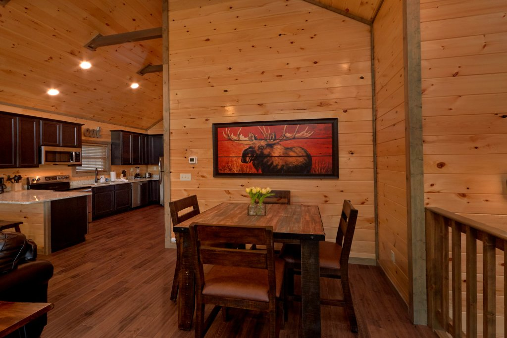 Photo of a Gatlinburg Cabin named Blackberry Springs - This is the fourteenth photo in the set.