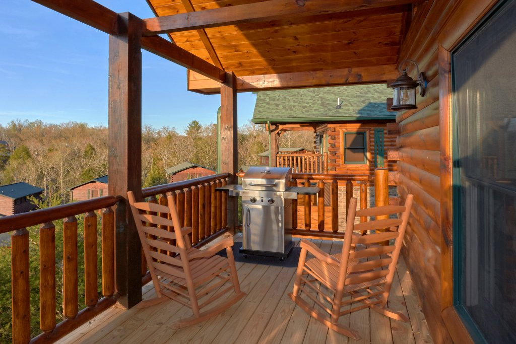 Photo of a Gatlinburg Cabin named Blackberry Springs - This is the sixth photo in the set.