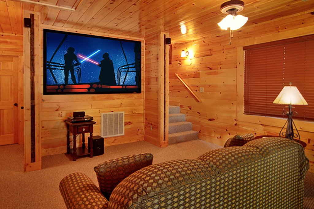 Photo of a Gatlinburg Cabin named Blackjack - This is the first photo in the set.