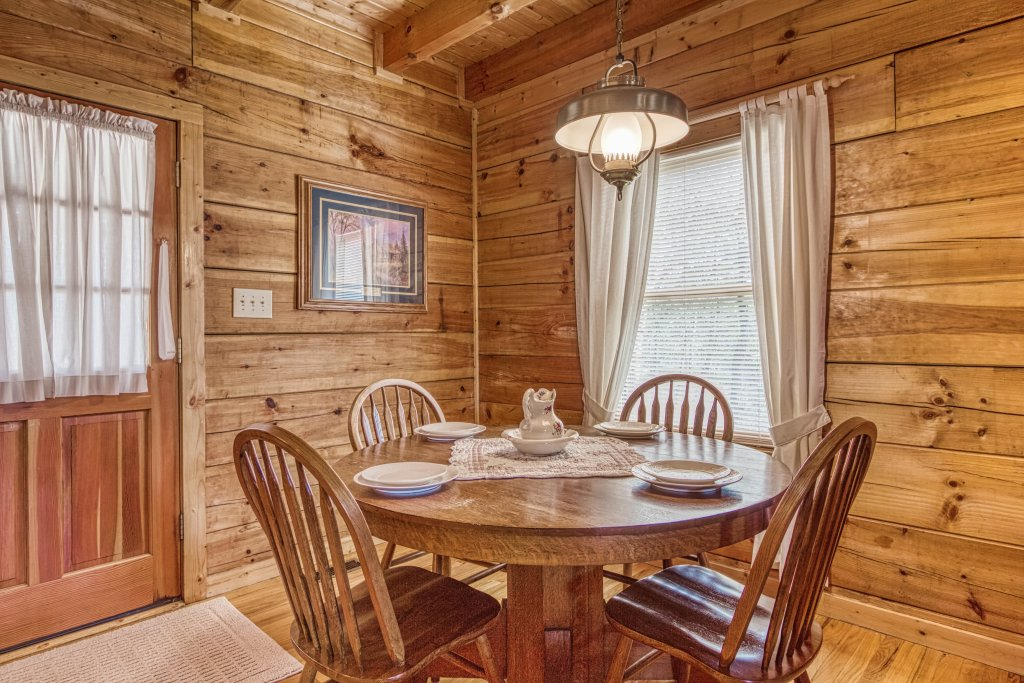 Photo of a Sevierville Cabin named Evening Shade #129 - This is the tenth photo in the set.