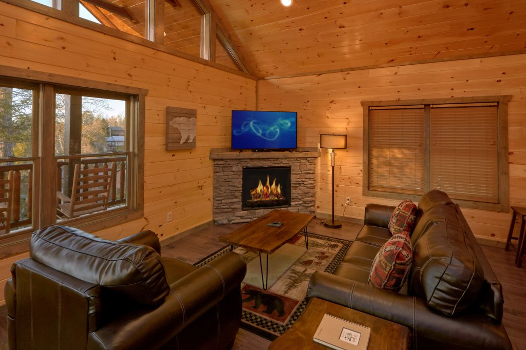 Photo of a Gatlinburg Cabin named Blackberry Springs - This is the tenth photo in the set.