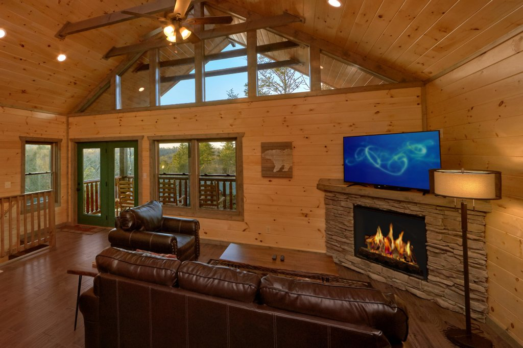 Photo of a Gatlinburg Cabin named Blackberry Springs - This is the eighth photo in the set.
