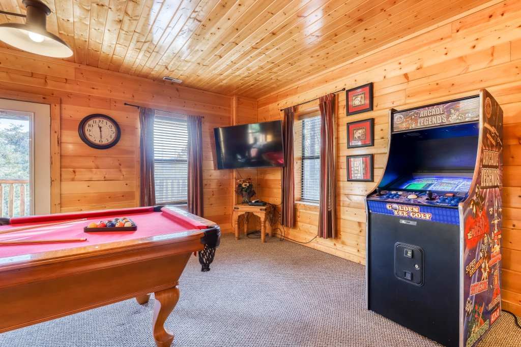Photo of a Sevierville Cabin named Southern Charm - This is the second photo in the set.
