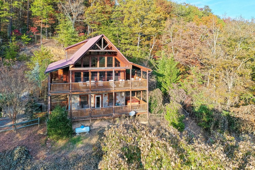 Photo of a Sevierville Cabin named Southern Charm - This is the first photo in the set.