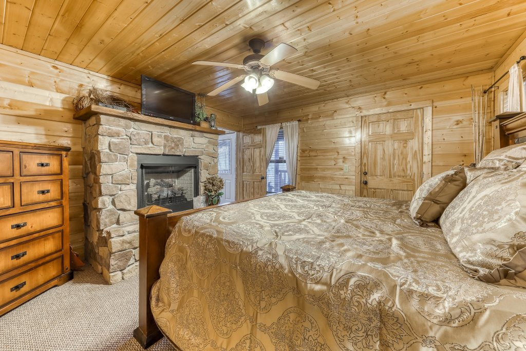Photo of a Sevierville Cabin named Southern Charm - This is the sixteenth photo in the set.