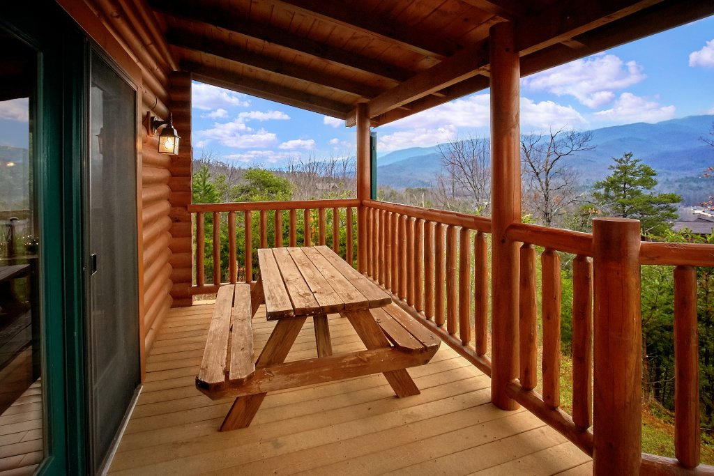Photo of a Gatlinburg Cabin named Heavenly Heights - This is the fourth photo in the set.