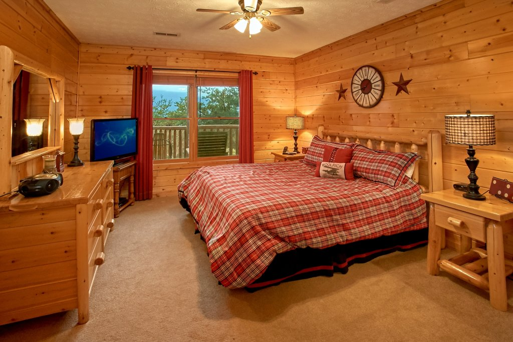 Photo of a Gatlinburg Cabin named Heavenly Heights - This is the fifteenth photo in the set.