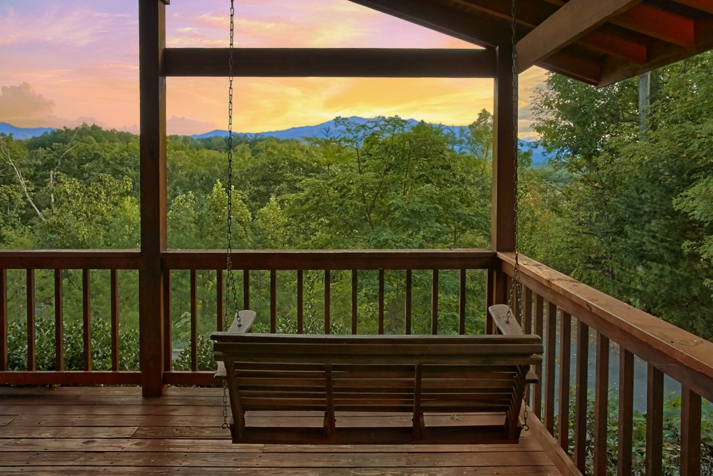 Photo of a Gatlinburg Cabin named Hawks Vue - This is the sixth photo in the set.