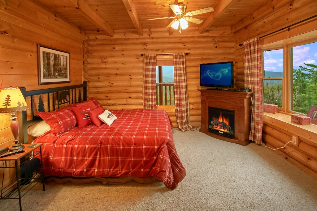 Photo of a Gatlinburg Cabin named Heavenly Heights - This is the seventeenth photo in the set.