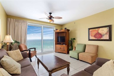 Splash 207 - East, Beach Chairs, 2 Bedrooms, Beachfront, Pool, Sleeps 9