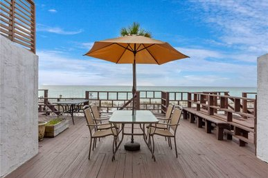 Surf Drive 7835, 3 Bedrooms, Gulf Front, Sleeps 9