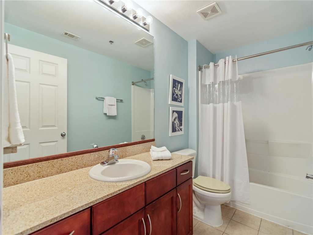 Photo of a Panama City Beach Condo named Laketown Wharf 1235 - This is the fourteenth photo in the set.