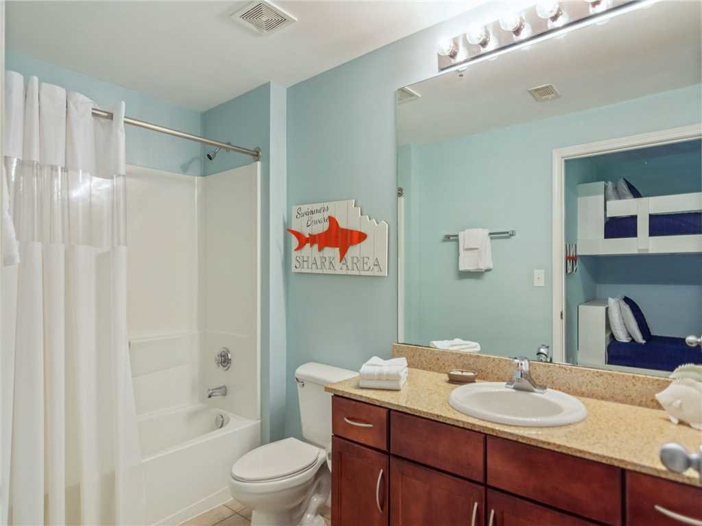 Photo of a Panama City Beach Condo named Laketown Wharf 1235 - This is the eighteenth photo in the set.