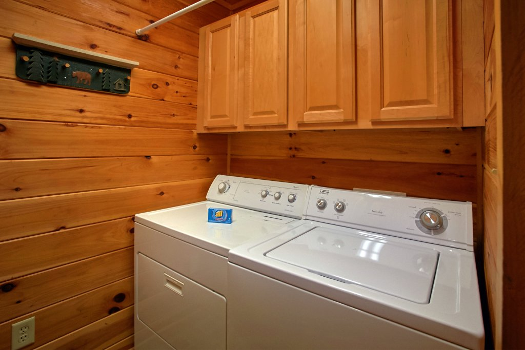 Photo of a Gatlinburg Cabin named Hawks Vue - This is the nineteenth photo in the set.