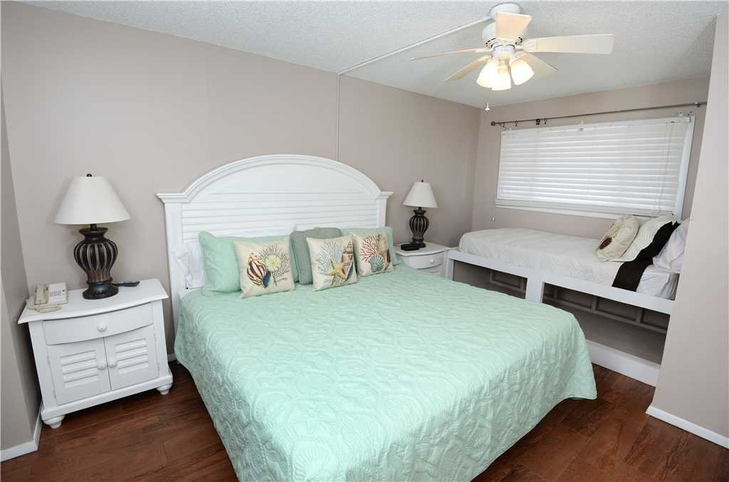 Photo of a Panama City Beach Condo named Summit 828 - This is the eighth photo in the set.