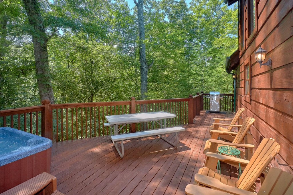 Photo of a Pigeon Forge Cabin named Hickory Lodge - This is the ninth photo in the set.