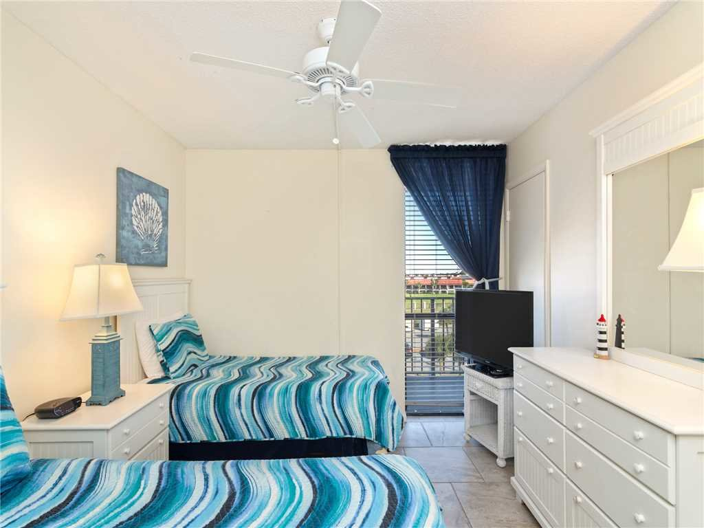 Photo of a Panama City Beach Condo named Edgewater Leeward 406 - This is the seventeenth photo in the set.