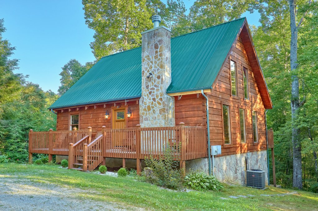 Photo of a Pigeon Forge Cabin named Hickory Lodge - This is the thirty-fourth photo in the set.