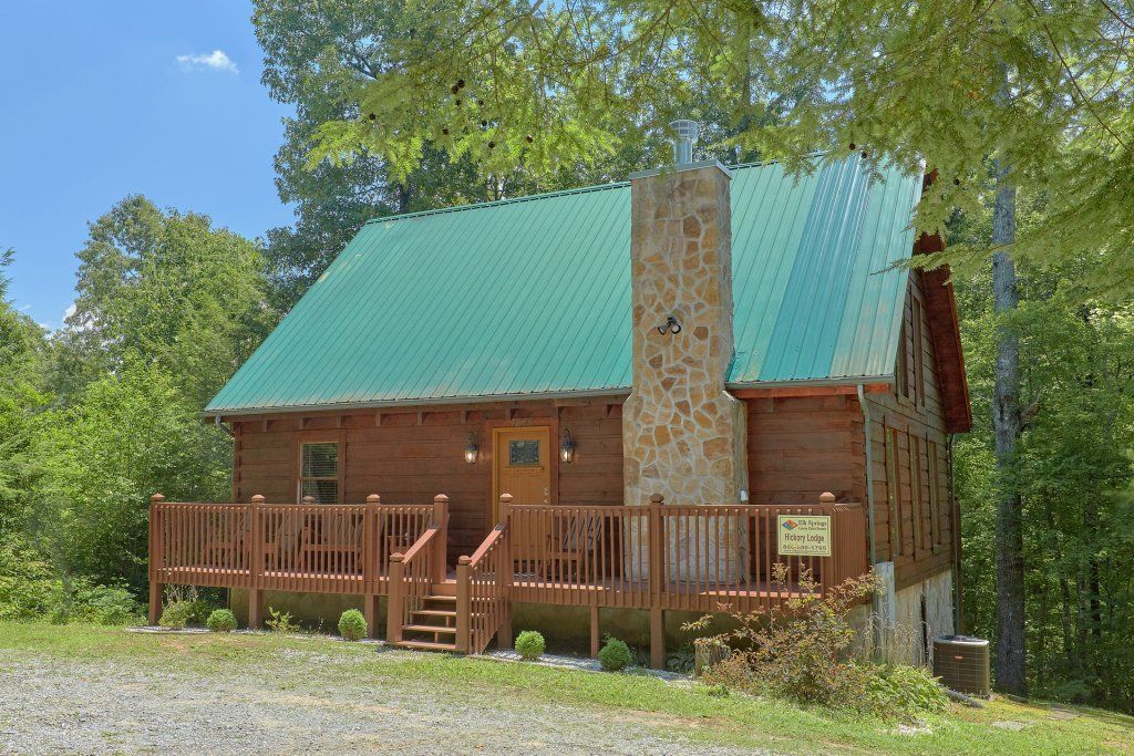 Photo of a Pigeon Forge Cabin named Hickory Lodge - This is the thirty-second photo in the set.