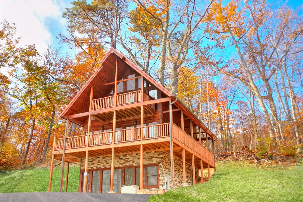 Photo of a Gatlinburg Cabin named Hilltop Hideaway - This is the sixteenth photo in the set.