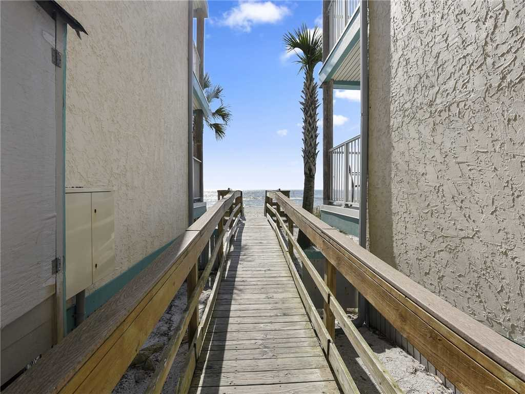 Photo of a Panama City Beach Condo named Nautical Watch B-8 - This is the nineteenth photo in the set.