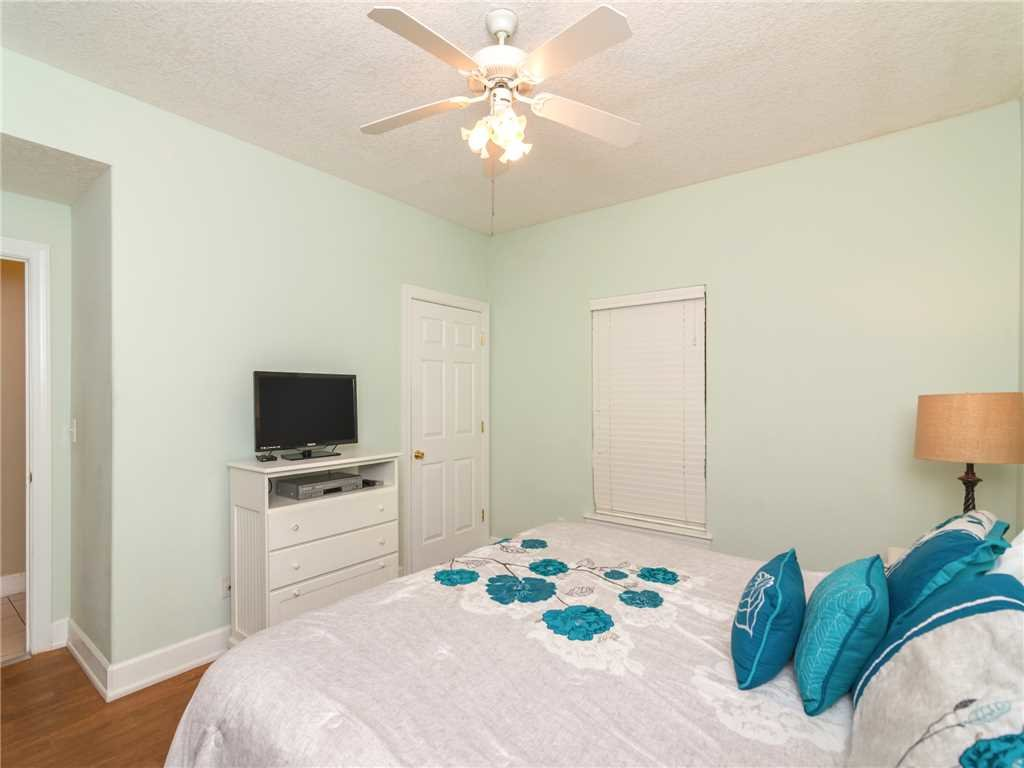 Photo of a Panama City Beach Condo named Twin Palms 1703 - This is the fourteenth photo in the set.