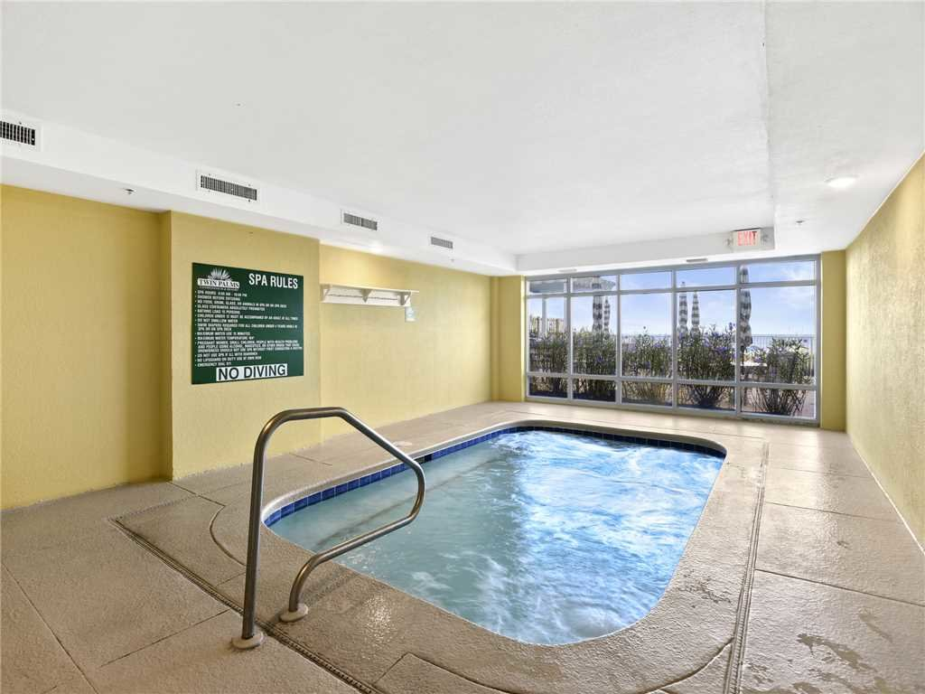 Photo of a Panama City Beach Condo named Twin Palms 1703 - This is the twenty-eighth photo in the set.