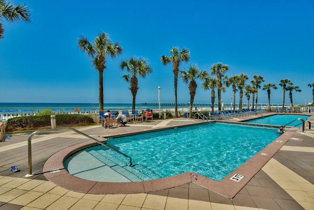 Photo of a Panama City Beach Condo named Sterling Reef 1904 - This is the second photo in the set.