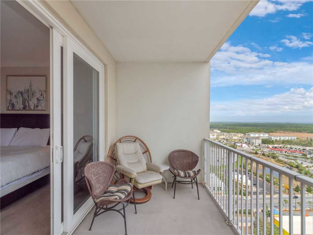 Photo of a Panama City Beach Condo named Laketown Wharf 1830 - This is the fourteenth photo in the set.