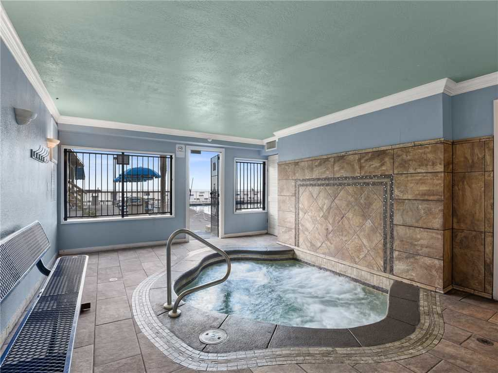 Photo of a Panama City Beach Condo named Regency Towers 403 - This is the thirtieth photo in the set.