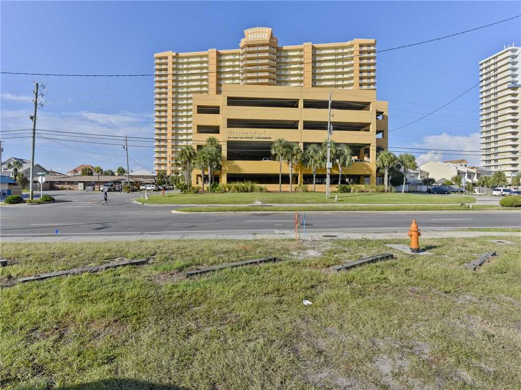 Photo of a Panama City Beach Condo named Treasure Island 605 - This is the forty-second photo in the set.