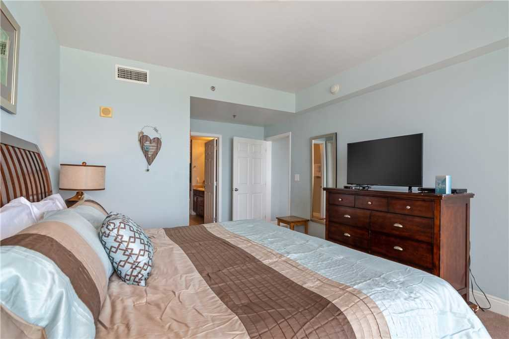 Photo of a Panama City Beach Condo named Laketown Wharf 1808 - This is the sixteenth photo in the set.