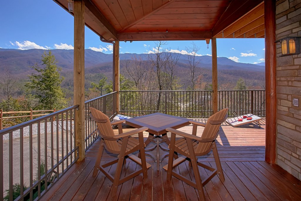 Photo of a Gatlinburg Cabin named Livin It Up - This is the first photo in the set.