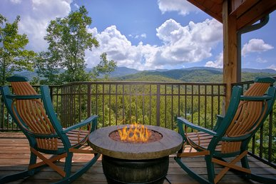 Luxury 1 Bedroom Cabin With Jacuzzi, 4 Fireplaces - Incredible Views
